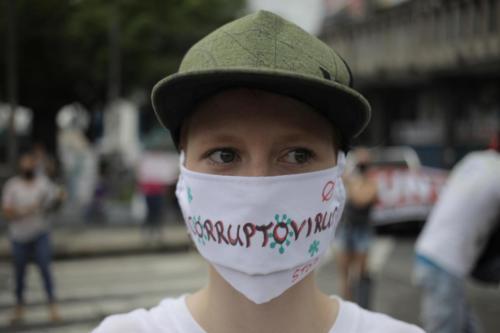 Jóvenes protestan en contra gobierno de Cortizo